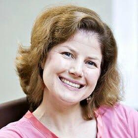 Dr. Sarah Ravin FEAST advisor